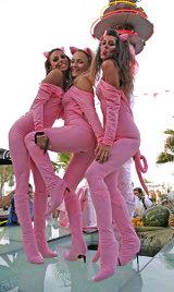 Ragazze in rosa per la Notte Rosa a Bellaria